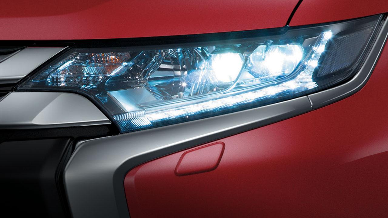 Đèn pha xe Mitsubishi Outlander 2.0 STD 2018