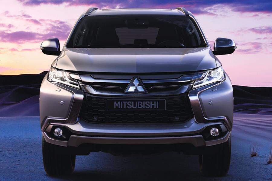 Ngoại thất Mitsubishi Pajero Sport - Hình 1